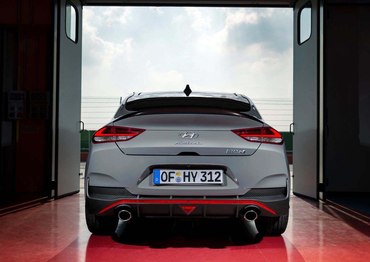 Photo of Η Hyundai στο σαλόνι αυτοκινήτου του Παρισιού