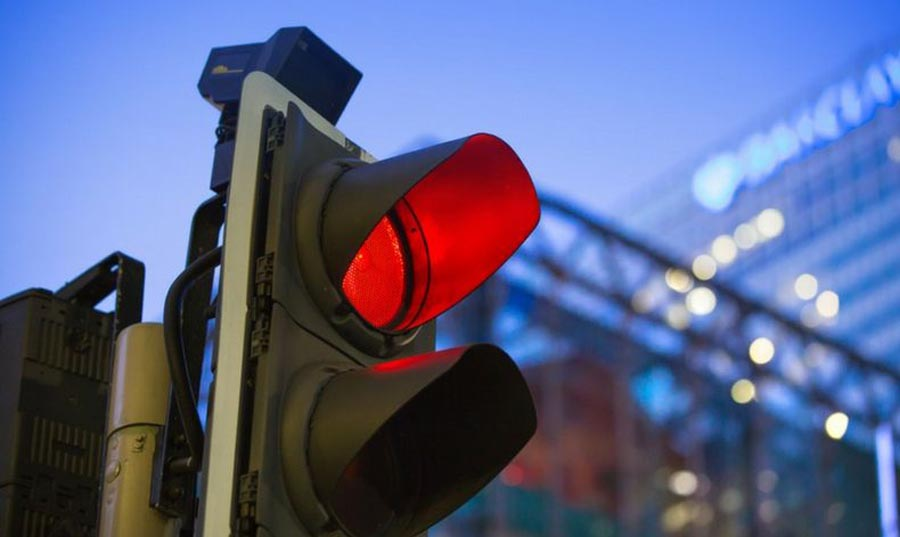 Photo of Ο Έλληνας οδηγός αψηφά το κόκκινο σηματοδότη