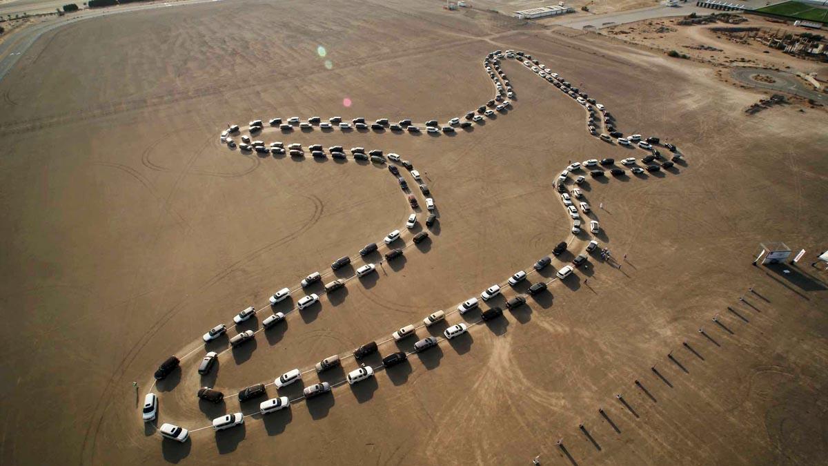 Photo of Γεράκι στην έρημο από 180 Nissan Patrol [vid]