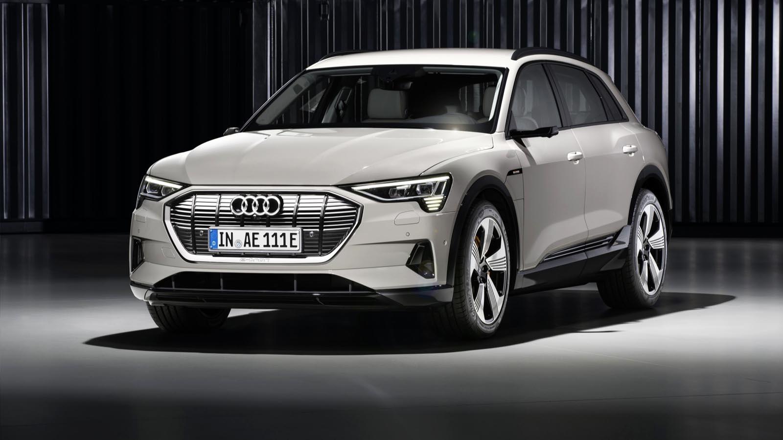 Photo of Νέες εκδόσεις για το Audi E-Tron