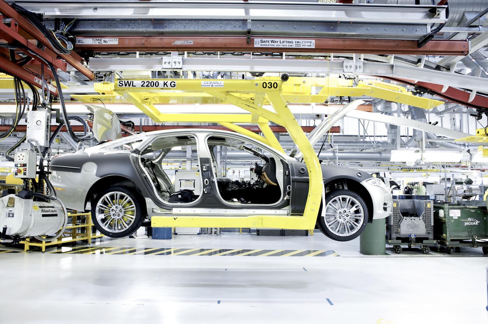 Photo of Η Jaguar Land Rover θα προχωρήσει σε 5.000 απολύσεις!