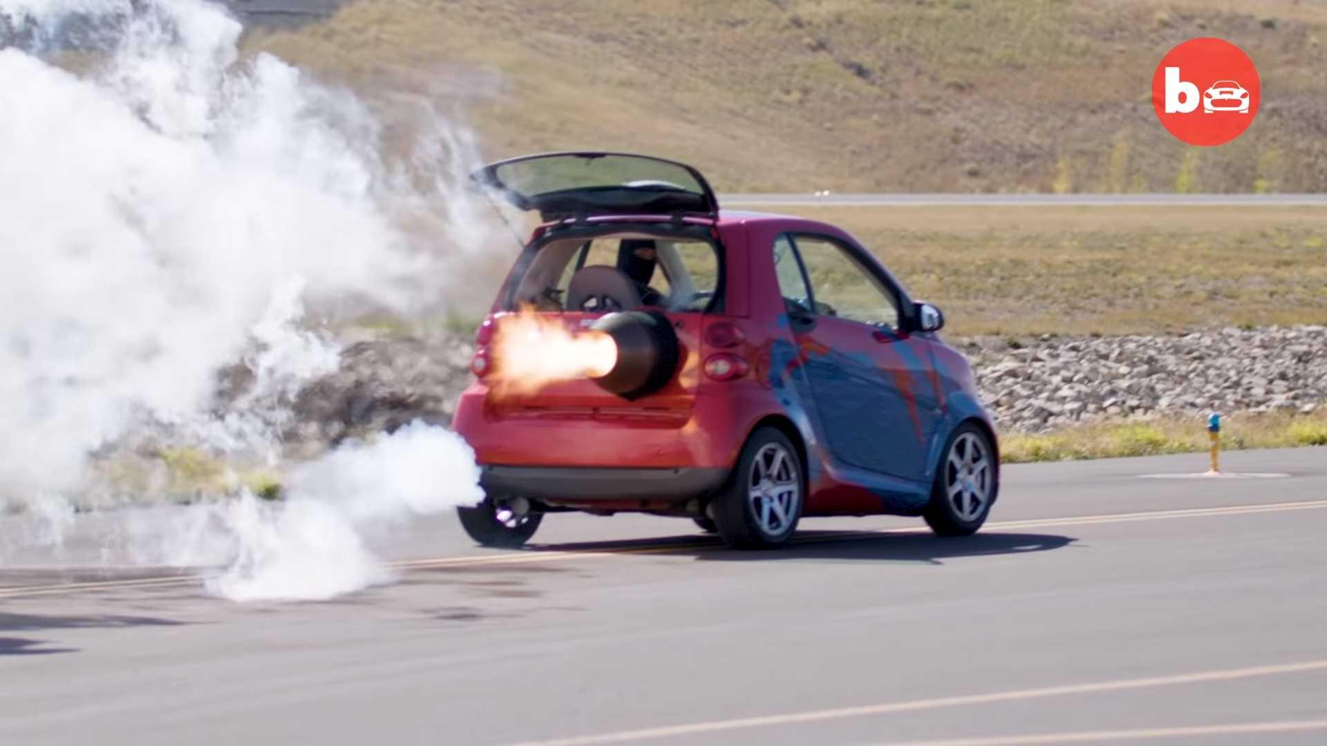 Photo of Απίστευτο Smart με κινητήρα τζετ! [vid]