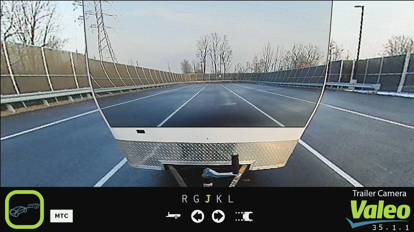 Photo of To Valeo XtraVue «βλέπει» μέσα από τα αυτοκίνητα [vid]