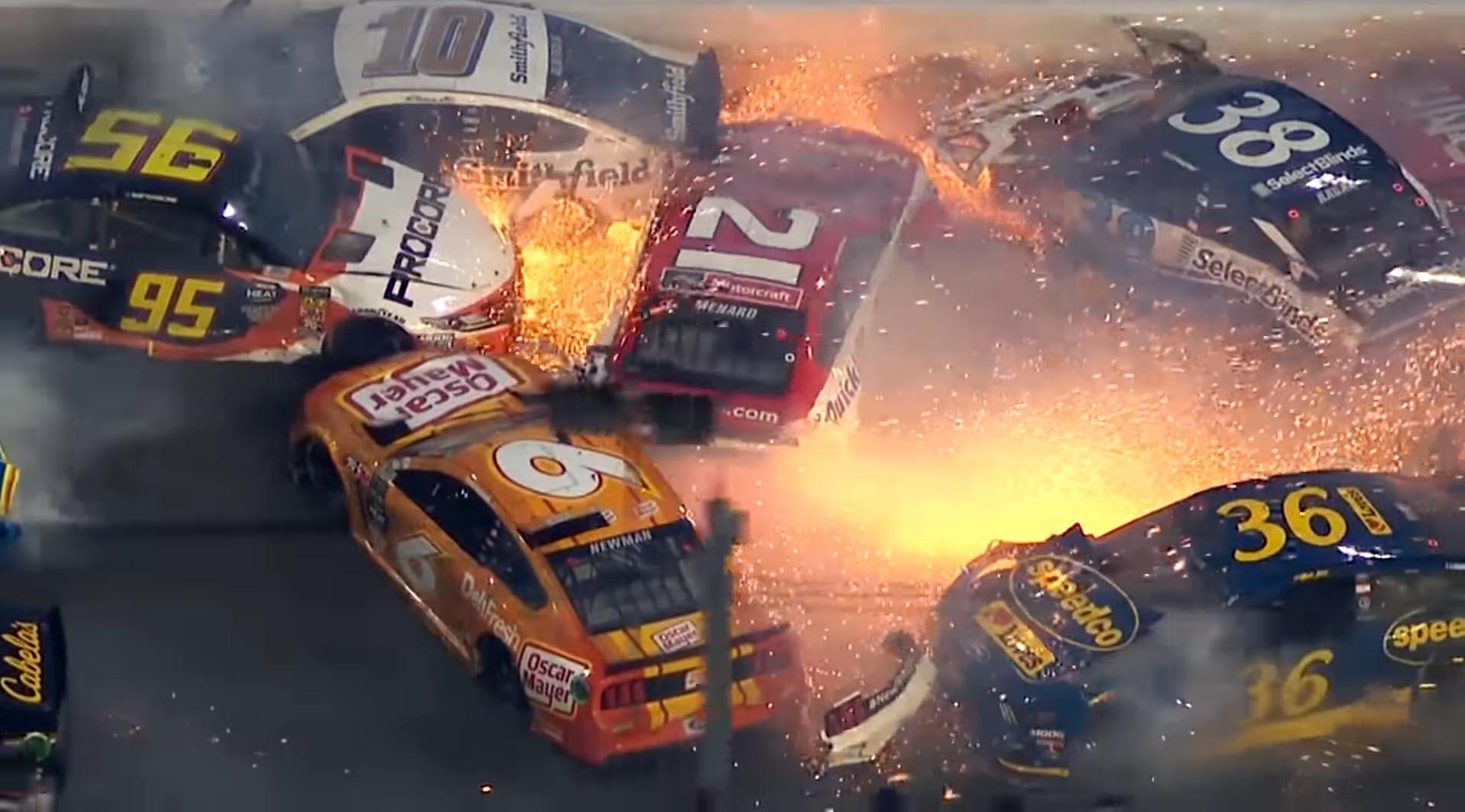 Photo of Τρομακτικό ατύχημα στο NASCAR [vid]
