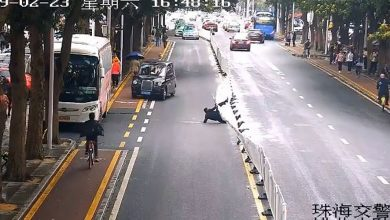 Photo of Κινέζος προκαλεί ντόμινο σε δρόμο [vid]