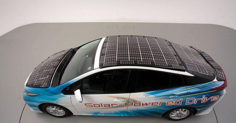Photo of Ένα Toyota Prius φουλ στα φωτοβολταϊκά πάνελ