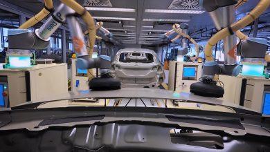 Photo of Ρομπότ συνεργάζονται με μηχανικούς στη γραμμή συναρμολόγησης του Ford Fiesta