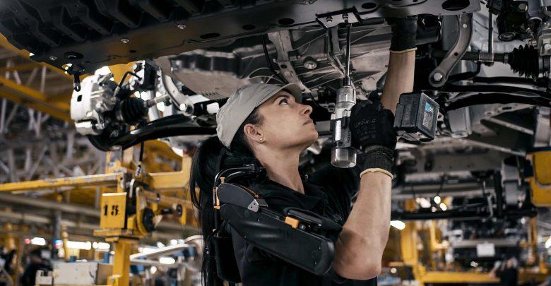 Photo of Με εξωσκελετούς η γραμμή παραγωγής της Nissan στην Ισπανία