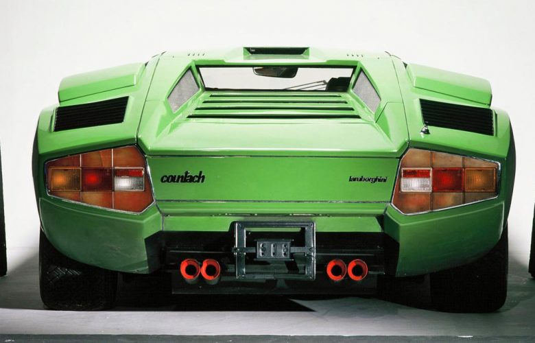 Και όμως, οι πρώτες Lamborghini Countach LP400 είχαν «περισκόπιο»!