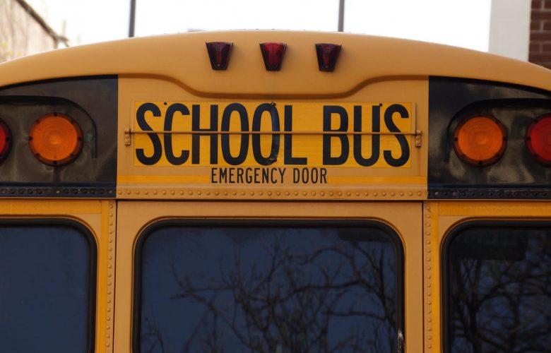 Υπέργηρος στόλος σχολικών με λεωφορεία που φτάνουν 35-40 έτη!