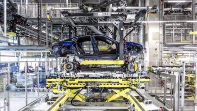 Photo of Στην γραμμή παραγωγής της Porsche Taycan [vid]