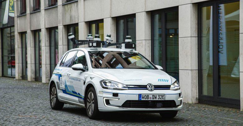 Photo of Πλήρως αυτόνομα οχήματα από τη VW το 2025