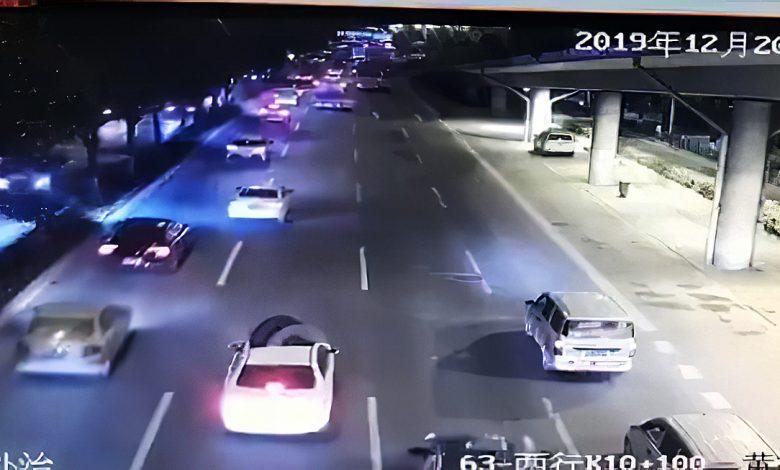 Photo of Που προσγειώθηκε ο τροχός που αποκολλήθηκε από ένα φορτηγό; [vid]