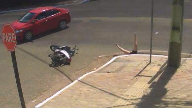 Photo of Απίστευτο! Την χτύπησε, έπεσε μέσα σε υπόνομο και την εγκατέλειψε! (video)