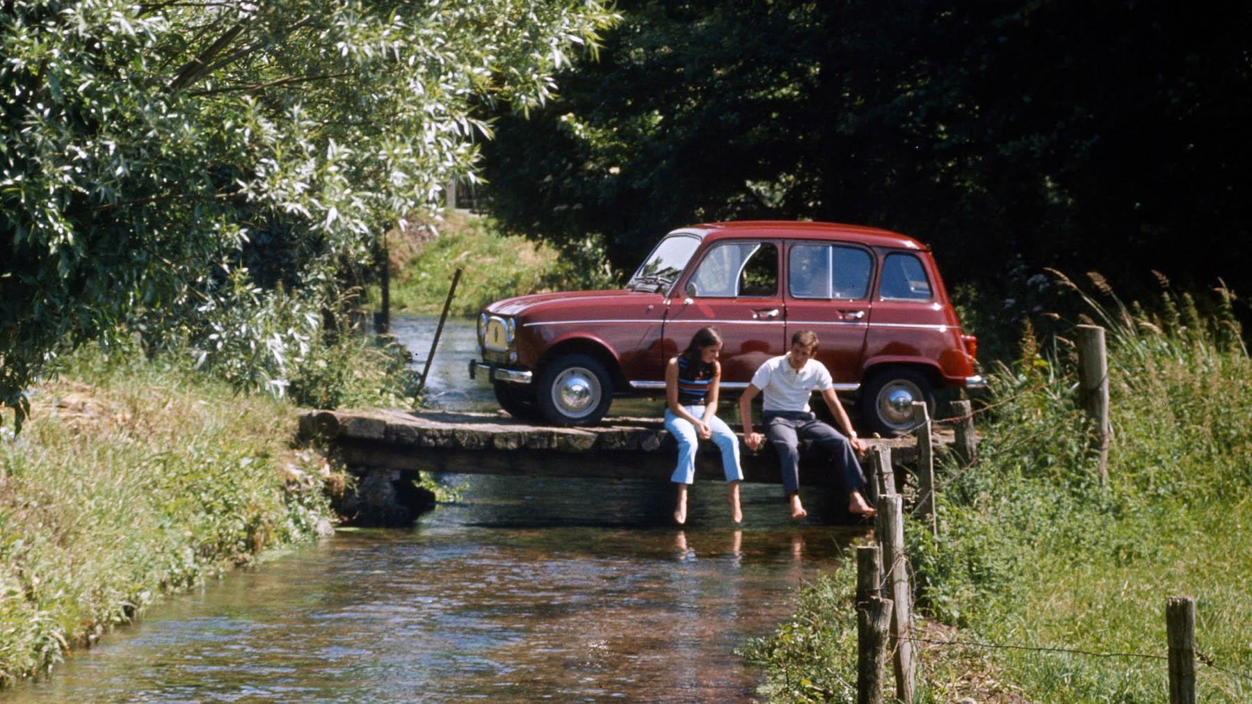 21207141 1961 Renault 4 Copy
